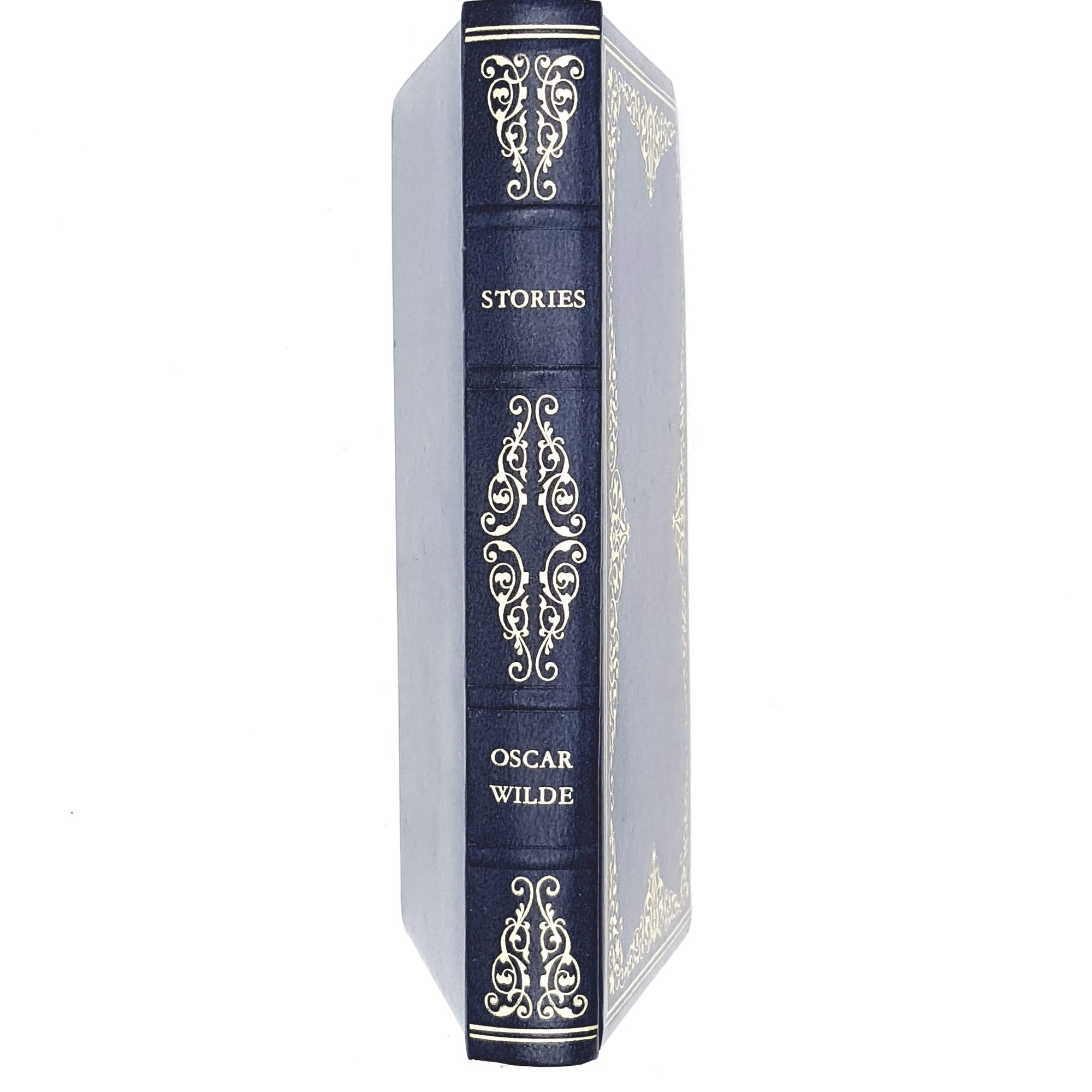 oscar-wilde-dark-blue-vintage-book-country-house-library