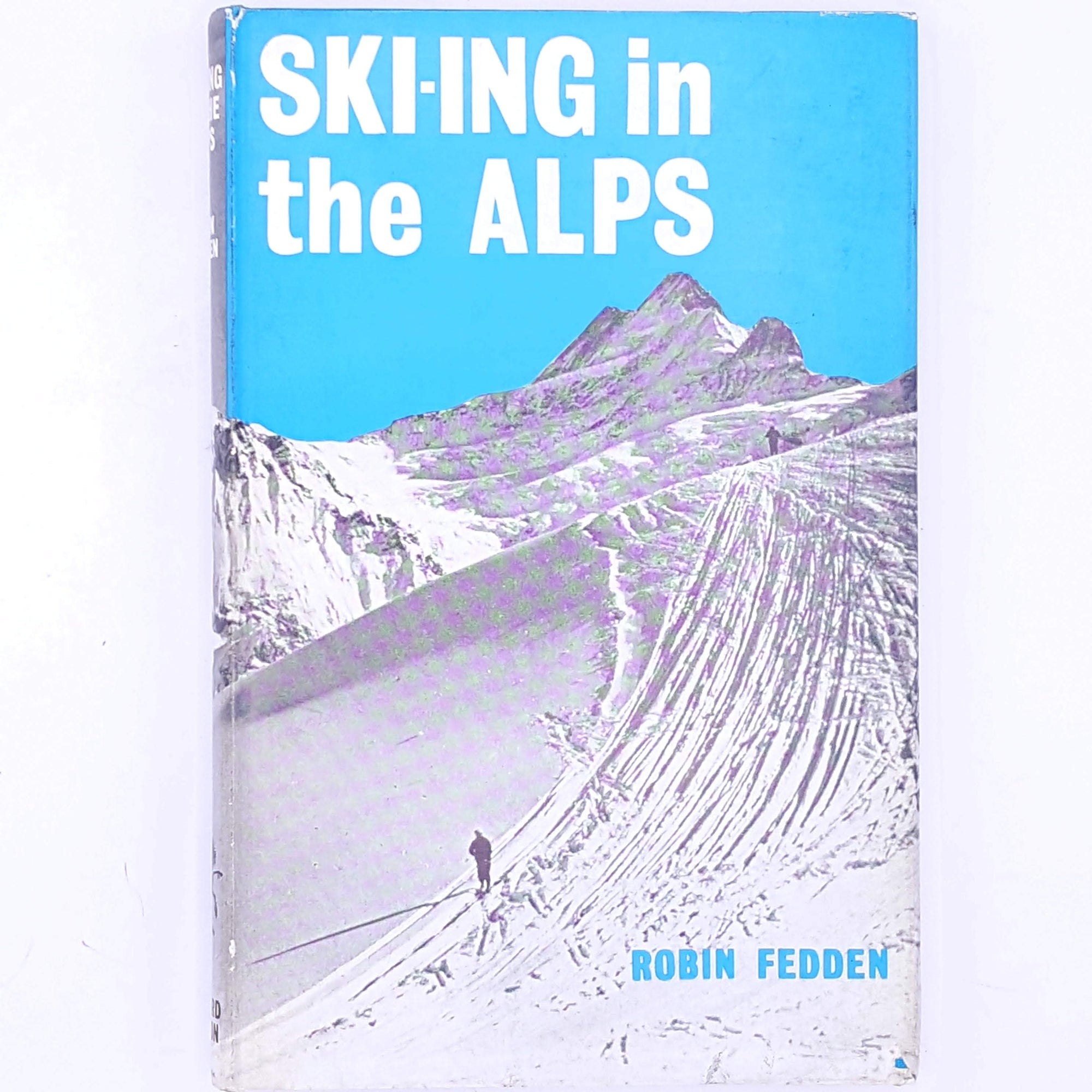 skiing-country-house-library-for-sports-fans-snowboarding-old-thrift-patterned-classic-antique-decorative-ski-for-him-SKI-ING-in-the Alps-winter-books-sport-christmas-gifts-vintage-mountains-snow-alps-
