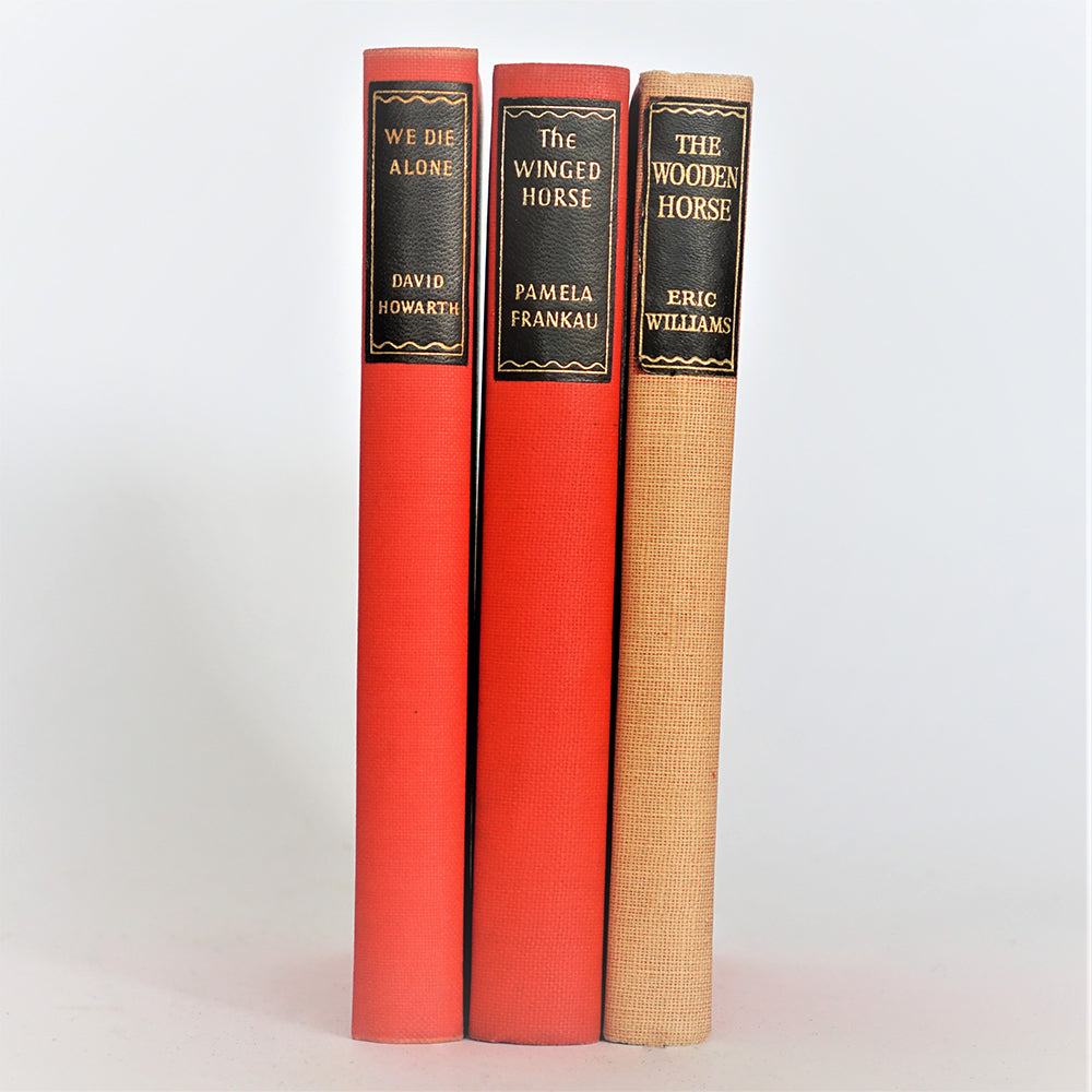 old-thrift-christmas-gifts-classic-red-patterned-by-the-foot-antique-collection-for-the-home-decorative-country-house-library-books-vintage-