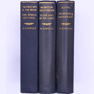 country-house-library-decorative-thrift-H.G.-Wells-Kipps-The-Story-Of-A-Simple-classic-old-antique-books-patterned-vintage-H.G.-Wells-three-book-collection-contains-the-stories-The-First-Men-In-The-Moon-The- World-Set-Free-Mr.Britling-Sees-It-through-In-The-Days-Of-The-Comet- Kipps-and-The-Research-Magnificent-