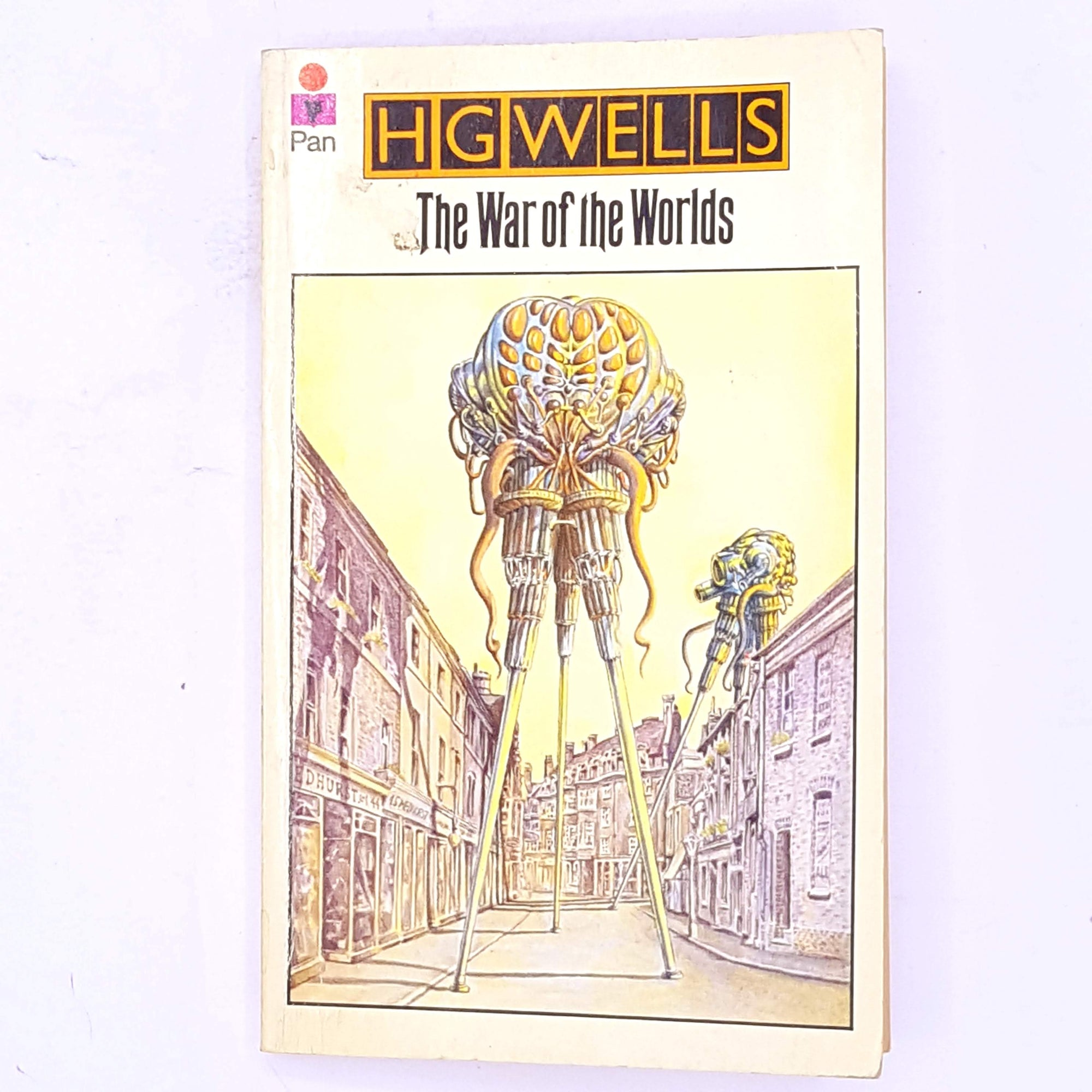 science-fiction-thrift-country-house-library-books-short-stories- decorative-old-the-war-of-the-worlds-antique-H.G.-Wells- patterned-short-story-vintage-classic-