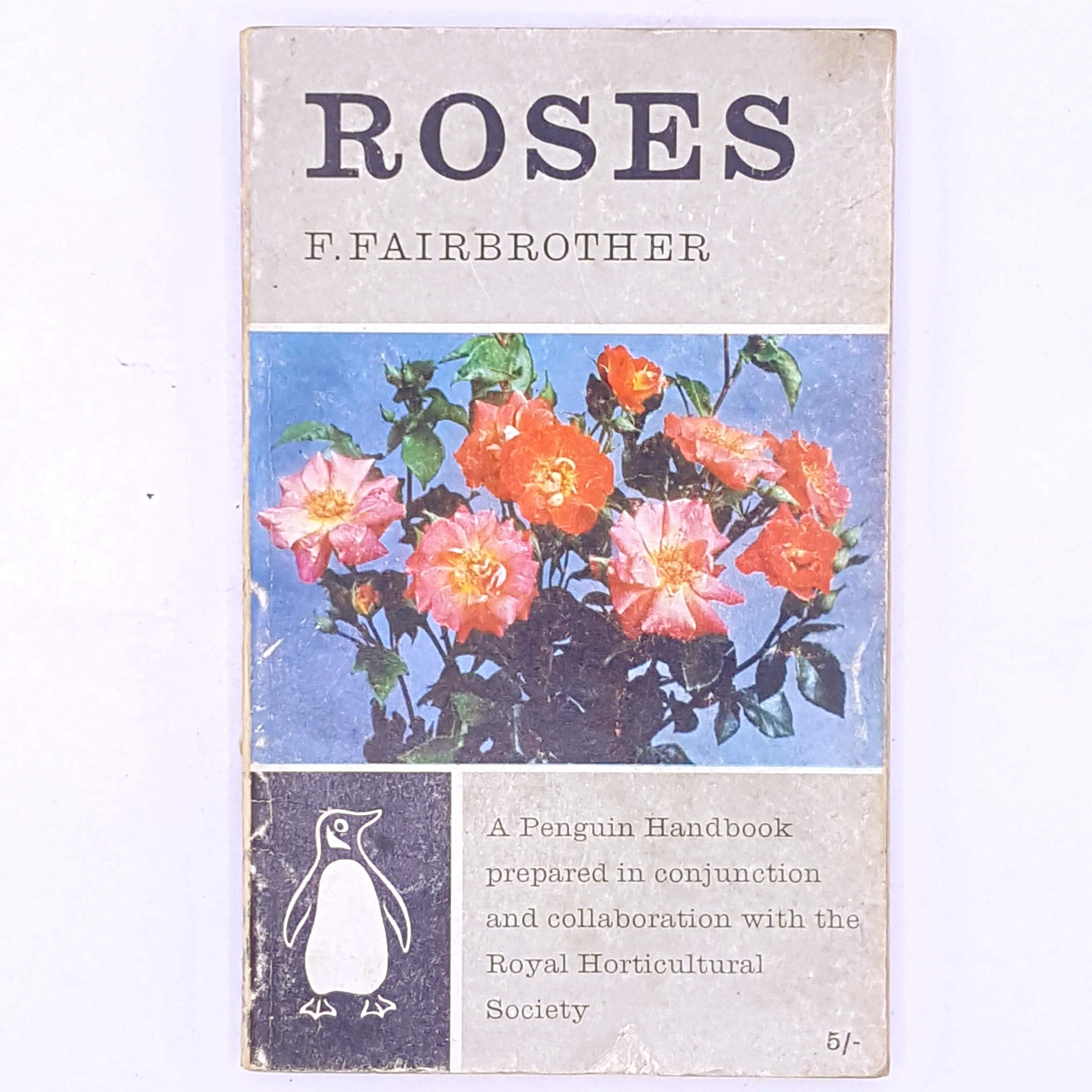 vintage-gardening-rose-garden-horticulture-hobbies-interests-Penguin-Handbook-Roses-F.Fairbrother-penguin-rose-roses-flowers-floral-botanical-garden-old-thrift-patterned-antique-country-house-library-books-decorative-classic-