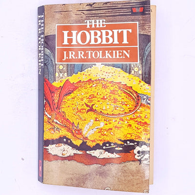 decorative-old-science-fiction-vintage-country-house-library-smaug-gandalf-the-grey-wizard-mystery-adventure-fantasy-dwarves-elves-hobbits-baggins-thrift-tolkien-the-hobbit-antique-classic-patterned-books-j.r.r.-tolkien-