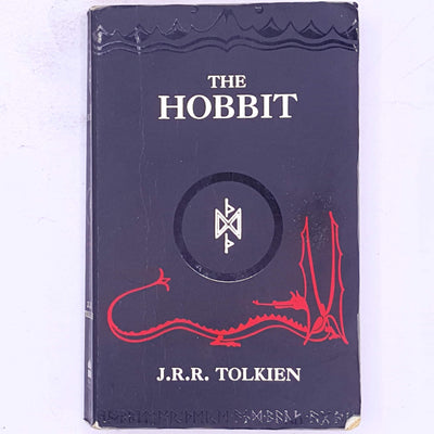 j.r.r.-tolkien-classic-antique-science-fiction-patterned-mystery-adventure-fantasy-dwarves-elves-hobbits-baggins-country-house-library-vintage-old-decorative-thrift-smaug-gandalf-the-grey-wizard-tolkien-the-hobbit-books-