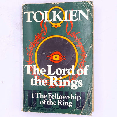 mystery-adventure-science-fiction-antique-classic-smaug-gandalf-the-grey-wizard-thrift-patterned-the-lord-of-the-rings-The-Lord-of-the-Rings-Part-One-The-Fellowship-of -the-Ring-books-old-fantasy-dwarves-elves-hobbits-baggins-country-house-library-j.r.r.-tolkien-decorative-vintage-