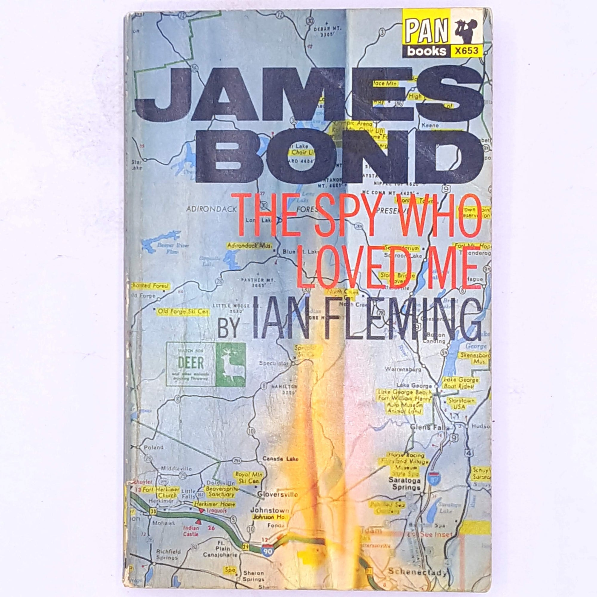 country-house-library-james-bond-decorative-vintage-007-books-classic-spy-crime-mystery-thriller-secret-service-ian-fleming-thrift-the-spy-who-loved-me-vivienne-michel-patterned-antique-British-secret-agent-old-