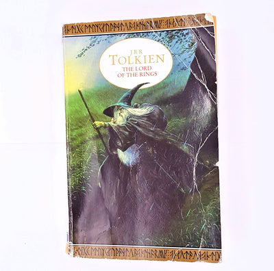 middle-earth-decorative-antique-silmarillion-fiction-the-lord-of-the-rings-classic-thrift-tolkien-the-hobbit-gandalf