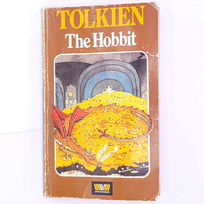 old-vintage-antique-the-hobbit-dwarves-hobbits-one-ring-bilbo-baggins-wizard-gandalf-lord-of-the-rings-thrift-decorative-fantasy-fairytale-mythology-mythical-j.r.r.-tolkien-country-house-library-patterned-classic-books-