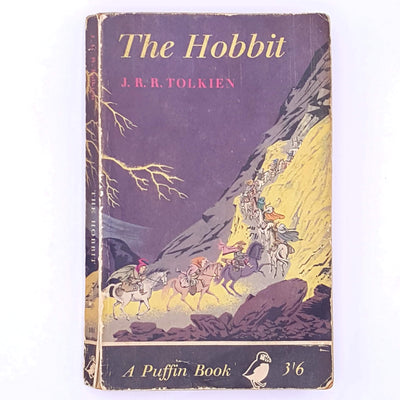 country-house-library-lord-of-the-rings-books-thrift-antique-puffin-penguin-the-hobbit-dwarves-hobbits-one-ring-bilbo-baggins-wizard-gandalf-fantasy-fairytale-mythology-mythical-classic-old-patterned-vintage-j.r.r.-tolkien-decorative-
