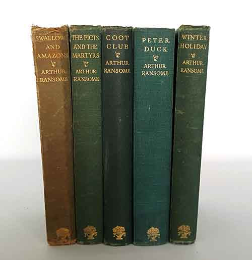 Dark Green Vintage Five Book Collection