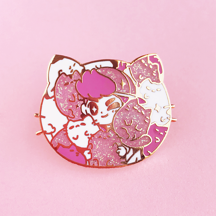 KITTY CLUTTER ENAMEL PIN [LIMITED EDITION]
