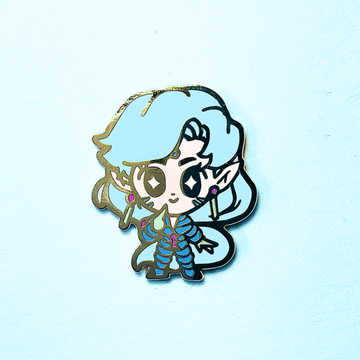 FISHEYE SENSHI DOLL ENAMEL PIN