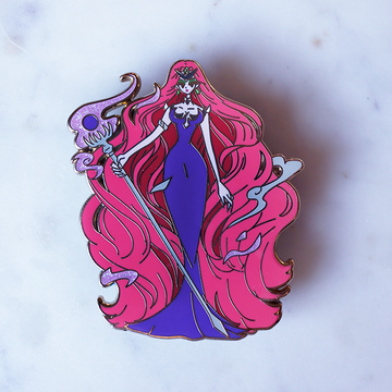 FASHION SCOUT QUEEN BERYL ENAMEL PIN [LIMITED EDITION]