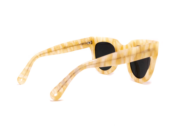 Resort oversized sunglasses