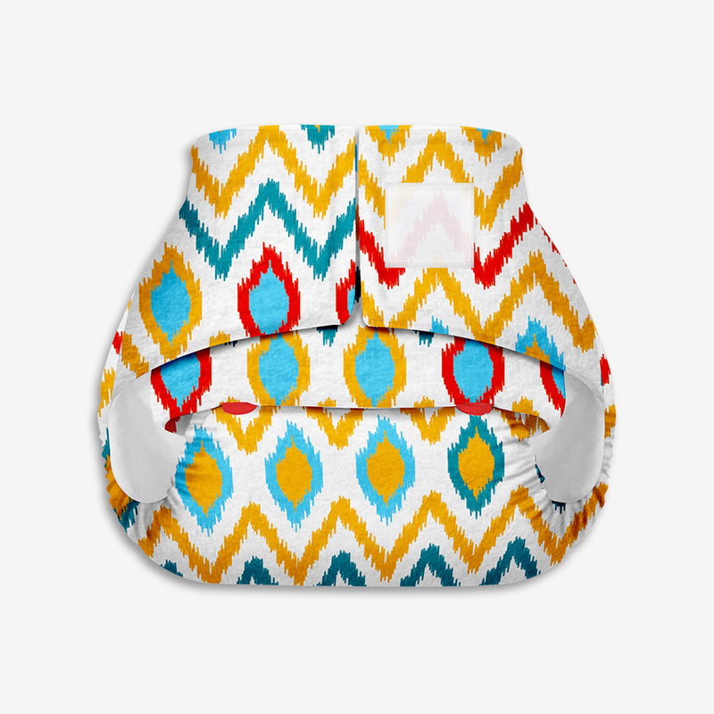Superbottoms Newborn UNO - Washable & resuable cloth diaper + 1 Organic Cotton Dry Feel Pad (2.5kg- 6kg Babies)- Ikat Chevron