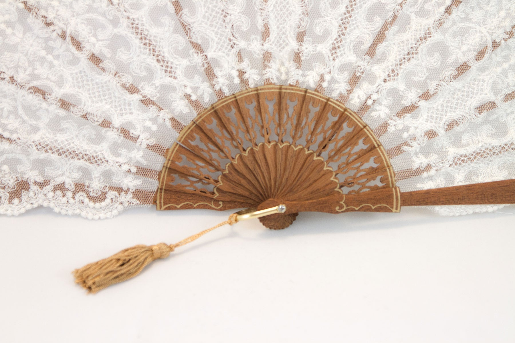 Rockcoco Bruges delicate handmade cream lace luxury hand fan lace detail