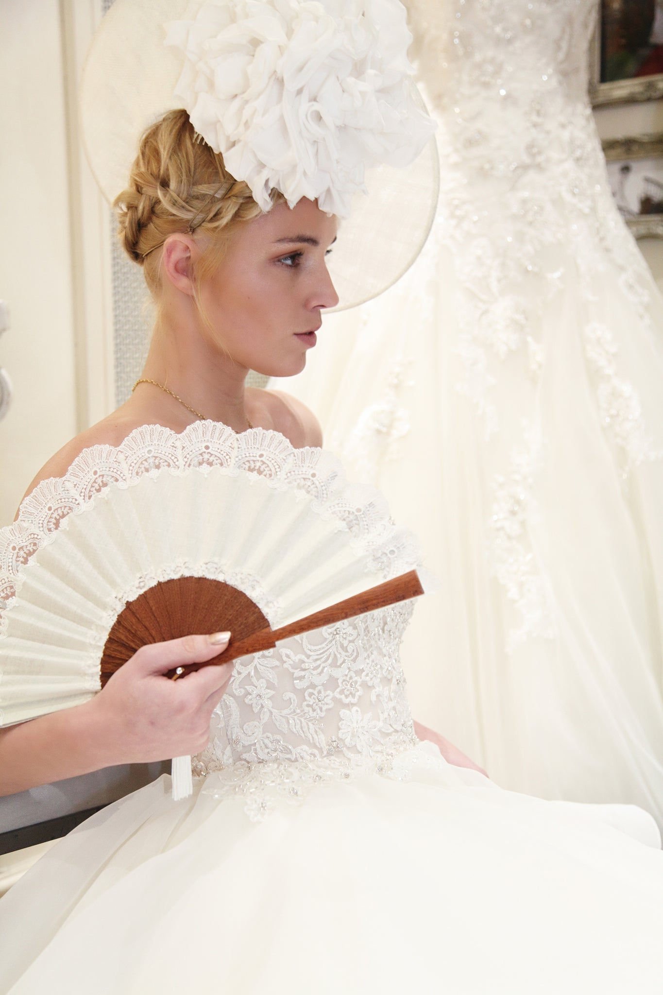 Elegant handmade Cheltenham Cream luxury bridal hand fan