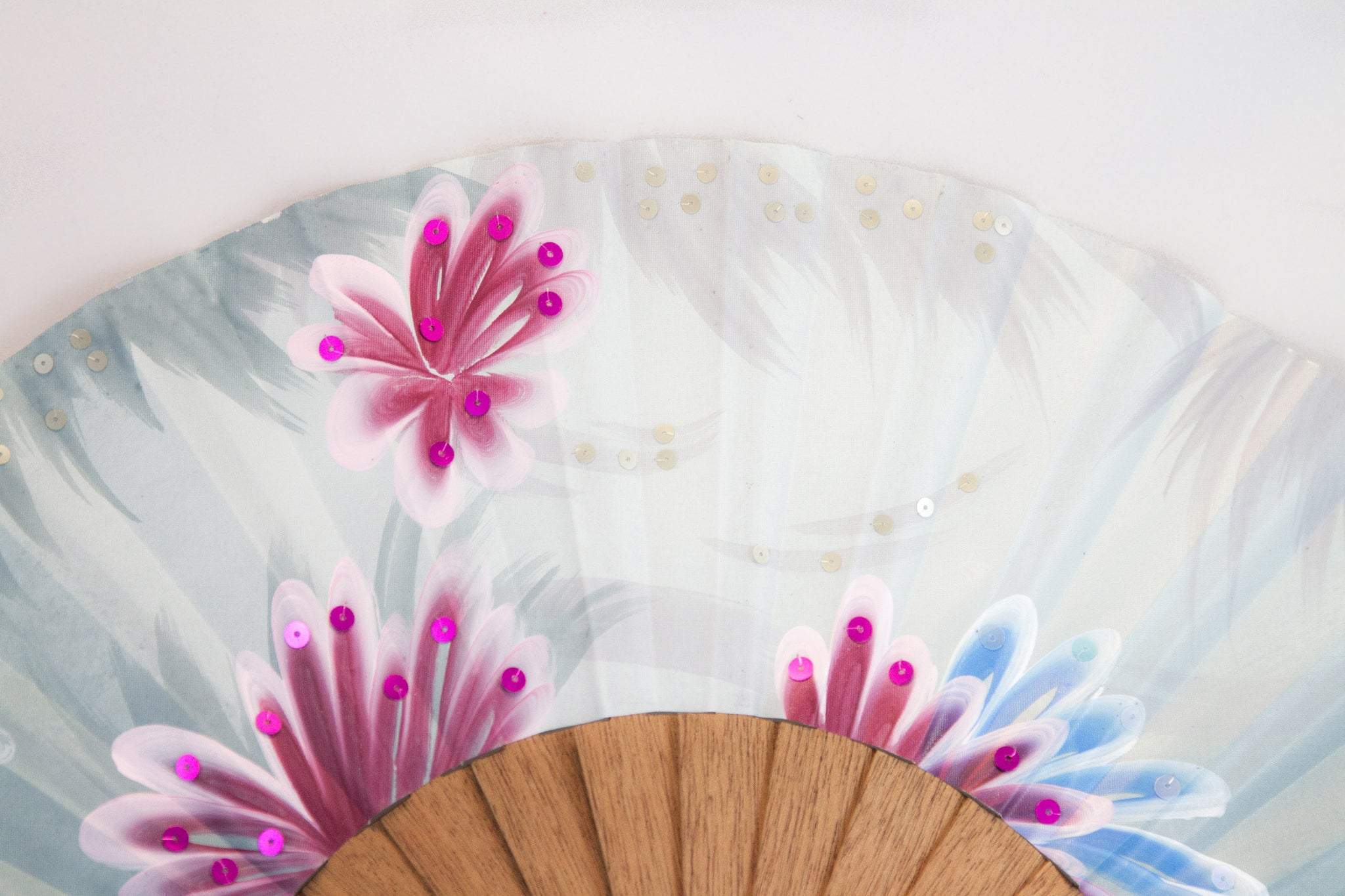 Hawaii - exquisite blue hand painted hand fan close up
