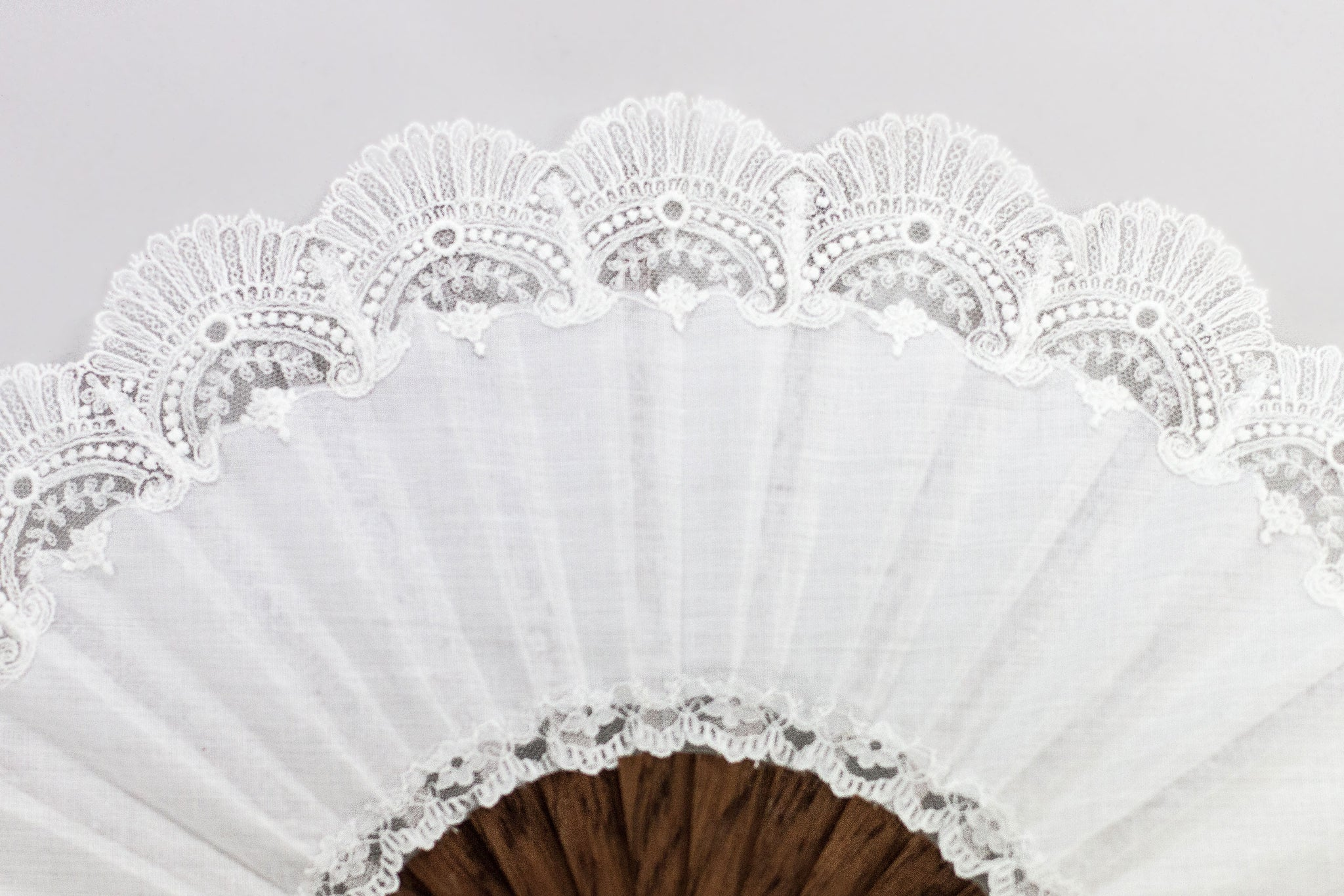 Elegant handmade Cheltenham White luxury bridal hand fan lace detail