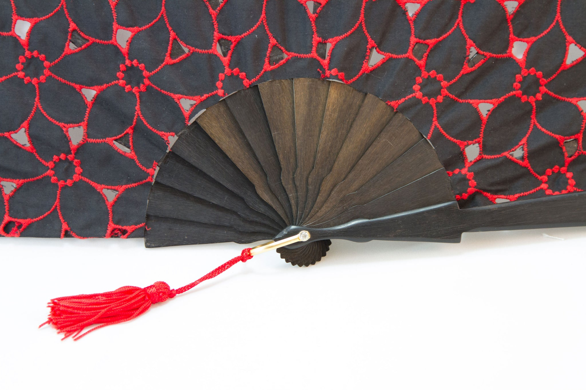 Limoges - Beautiful handmade red and black cotton open work fan detail