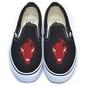 BLACK VANS W/RED BUFFALO