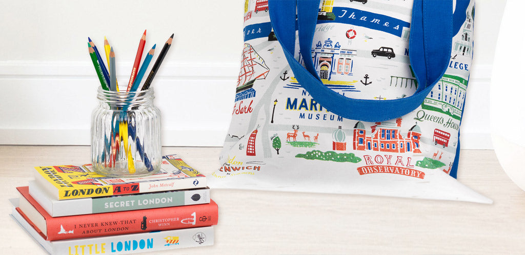 London-Greenwich-tote-bag-and-books