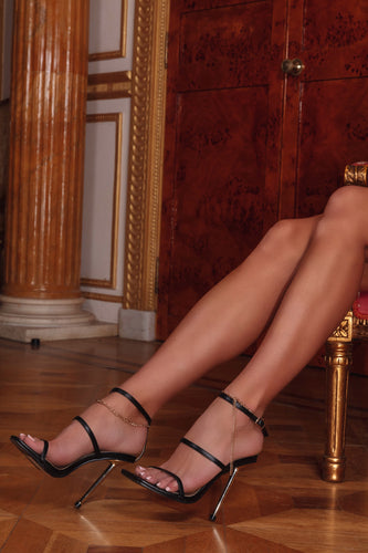 AMBER TURNER 'OFF THE CHAIN' BLACK HEELS