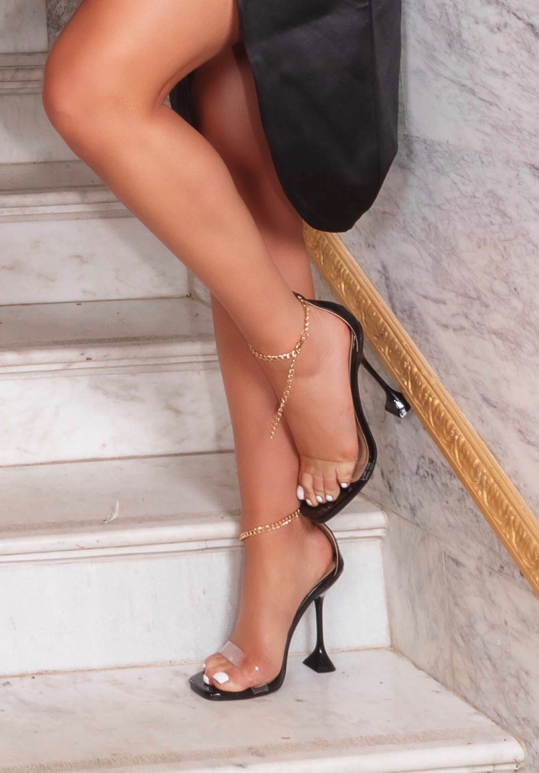 AMBER TURNER 'CHAIN & SIMPLE' BLACK HEELS