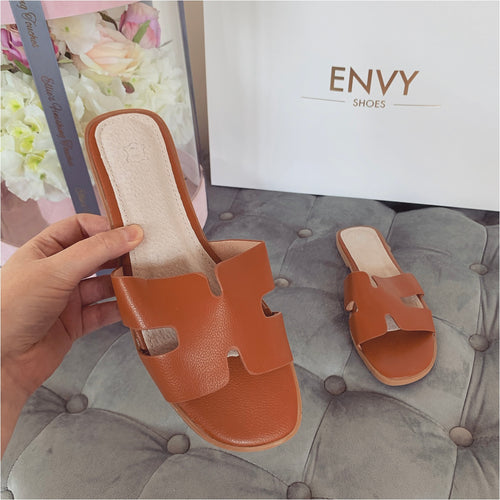 AMBER TURNER 'OLD TOWN ROAD' TAN SLIDERS