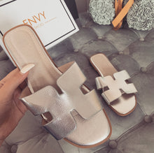 AMBER TURNER 'OLD TOWN ROAD' SILVER SLIDERS