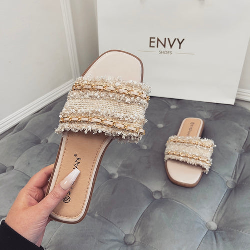 TIFFANY NUDE CHAIN SLIDERS