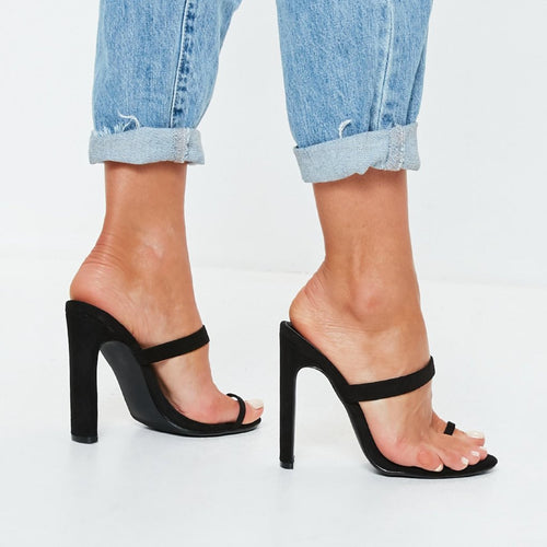 ROXANNE BLACK TOE RING MULES