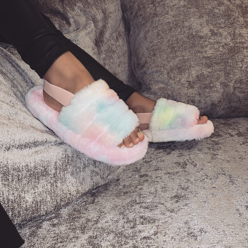 MINI SNUGGLE RAINBOW FAUX FUR SLIPPERS