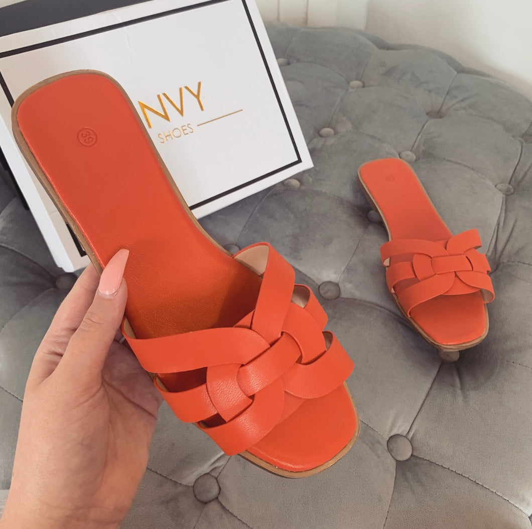 AMBER TURNER 'LOVE ME KNOT' ORANGE SLIDERS