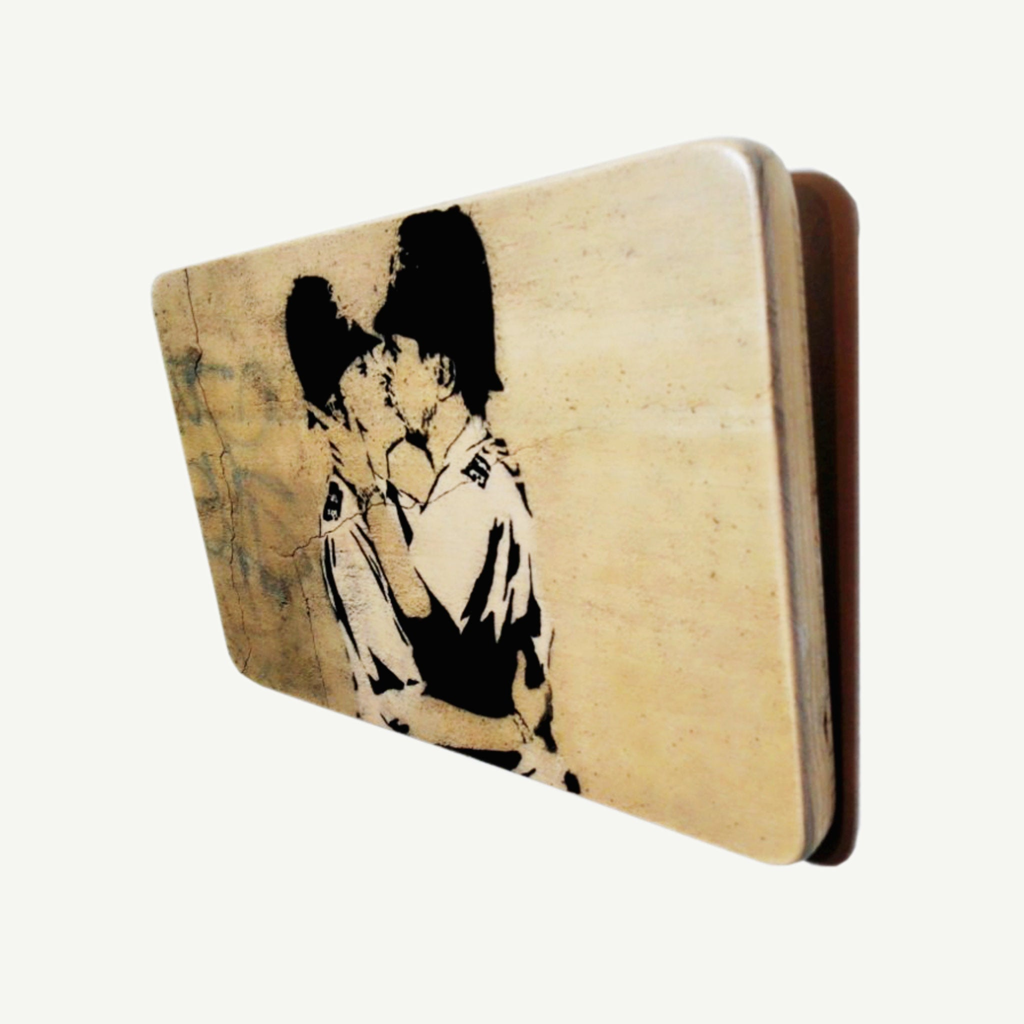 Bobbies - Gay kiss - Banksy - Upcycle Art wood print handmade - https://artesanalwoodprint.com