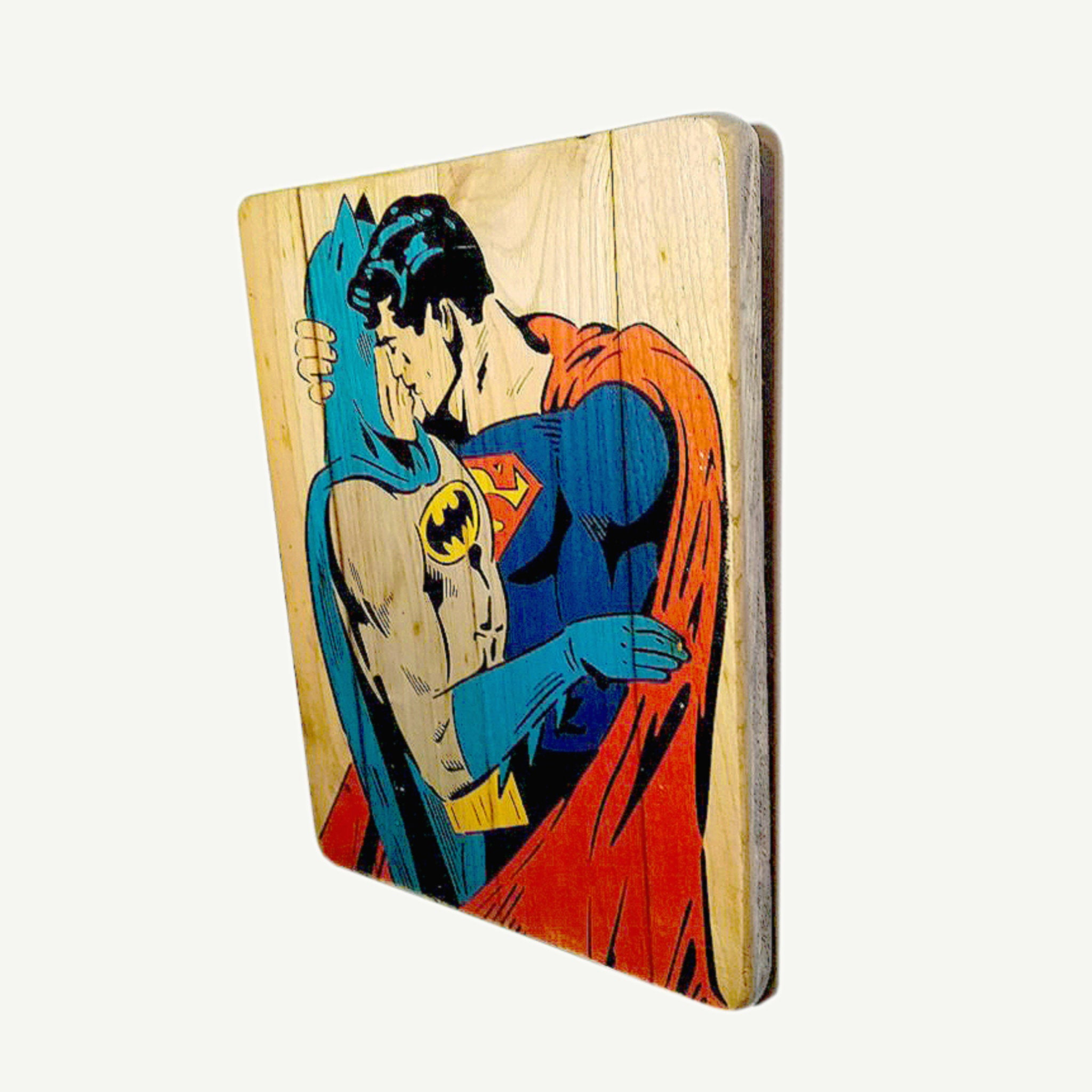Batman and Superman - Gay kiss - Red cape - Upcycle Art wood print handmade - https://artesanalwoodprint.com
