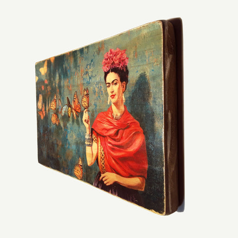 Frida Kahlo - Butterfly - Recycle Art - artisanal wood print - https://artesanalwoodprint.com