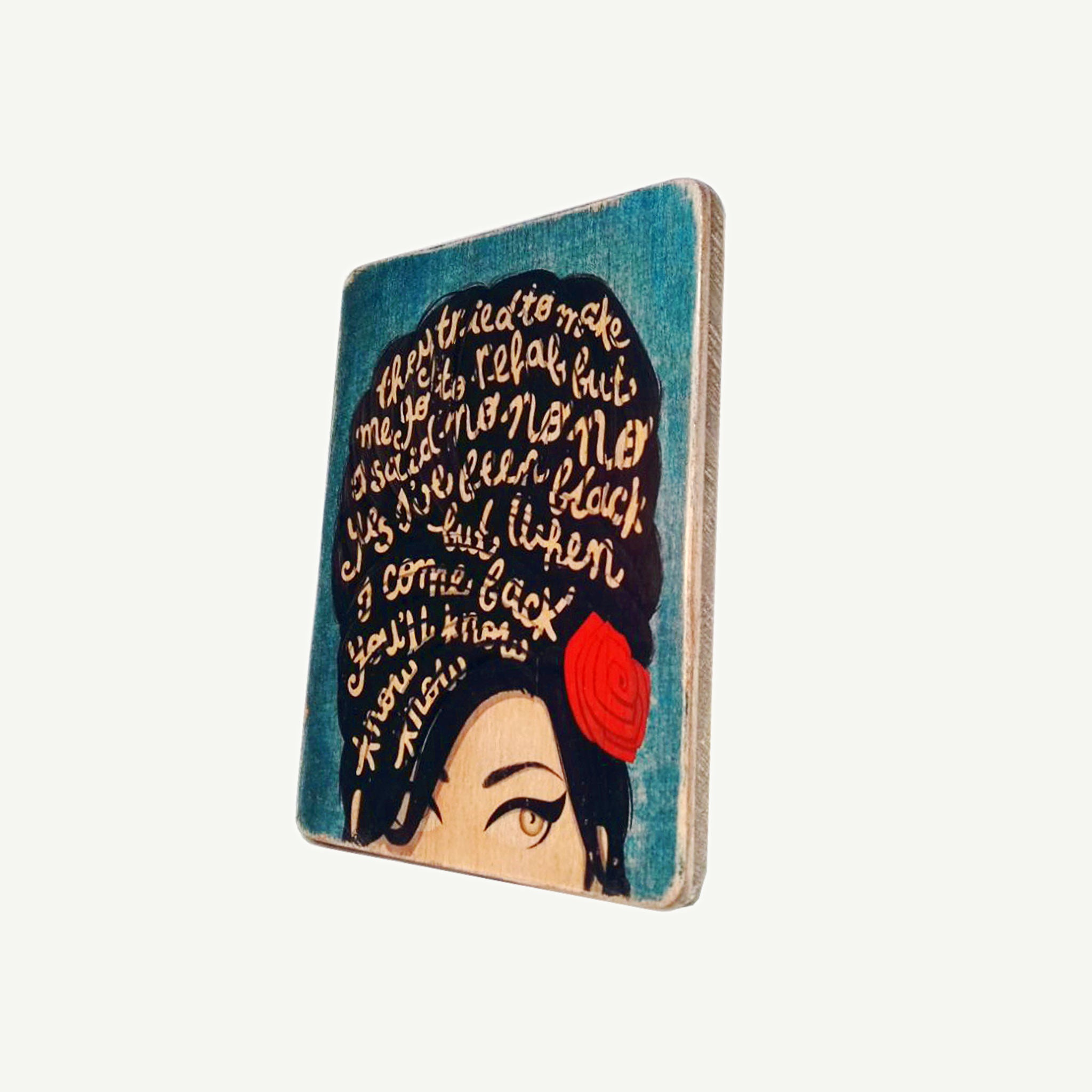 Amy Winehouse - Upcycle Art wood print handmade - https://artesanalwoodprint.com