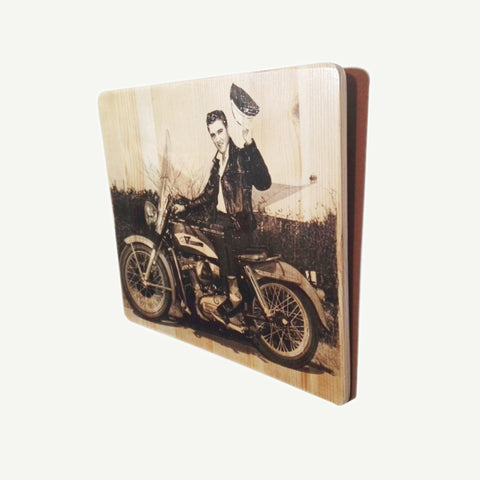 Elvis Presley - On motor bike - Recycle Art - artisanal wood print - https://artesanalwoodprint.com