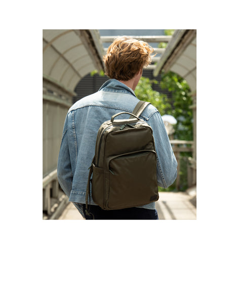 Square Pocket Backpack alternative 2