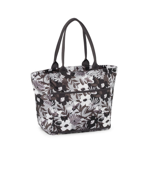 Traveling EveryGirl Tote alternative 2