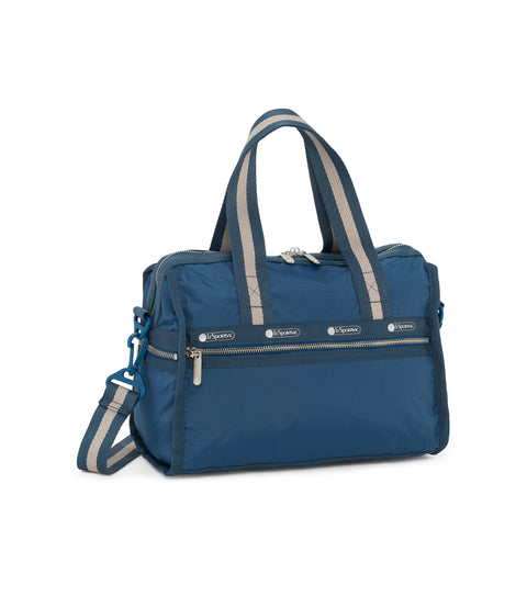 Deluxe Small Weekender alternative 2