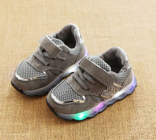 1e414fe030768 ... 2018 European M fashion cute design girls boys sneakers high quality LED  lighted children shoes Lovely