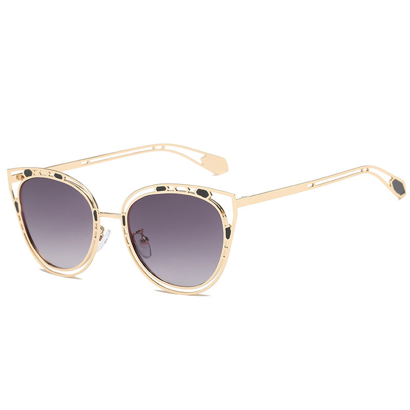 86fae92ccbc Sella 2018 New Arrival Trending Women Hollow Out Alloy Frame Gradient Lens  Sunglasses Fashion Cateye Tint