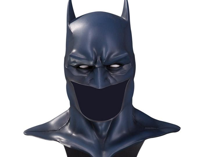 DC Collectibles DC Gallery Batman Rebirth Cowl Replica - Preventa