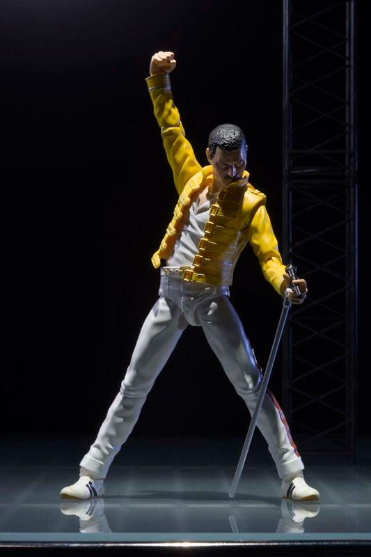 Bandai S.H. Figuarts Freddie Mercury Live At Wembley Stadium Version Preventa