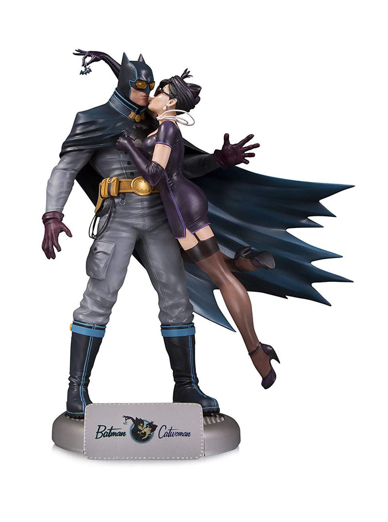 DC Collectibles DC Bombshells Batman and Catwoman Deluxe Statue Preventa