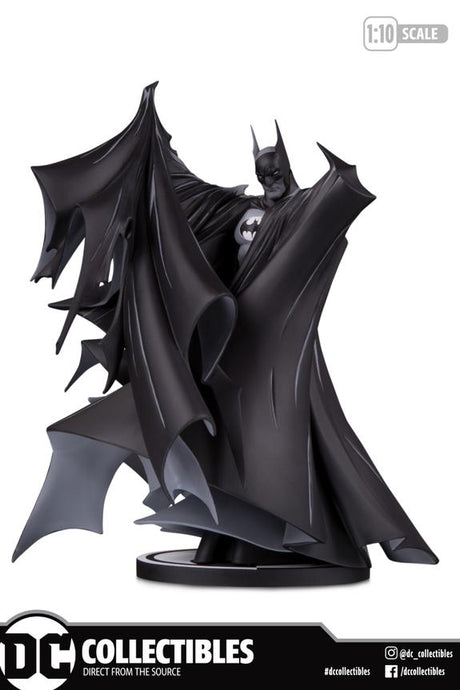 DC Collectibles Batman Black and White Statue By Todd Mcfarlane - Preventa