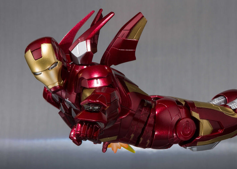 Akihabaratoys Figura Articulada BANDAI S.H. FIGUARTS IRON MAN MARK VII AND HALL OF ARMOR SET - preventa