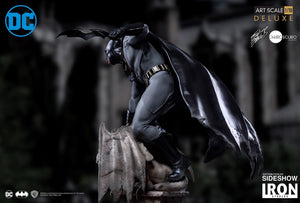 Iron Studios - Batman Deluxe Art Scale 1:10 by Eddy Barrows Preventa